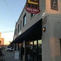 รูปภาพถ่ายที่ E Bar Tex-Mex โดย Shane E. เมื่อ 2/1/2013