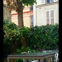 Photo taken at Hôtel Jardin de Villiers by Ale on 6/22/2015