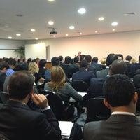 Foto tirada no(a) Lopes Consultoria Imobiliária por Matheus G. em 1/21/2013