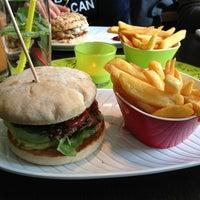 Das Foto wurde bei Rotkäppchen Burgergrill von Norman am 3/13/2013 aufgenommen