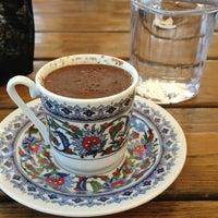 6/11/2013 tarihinde Aslı A.ziyaretçi tarafından Çamlı Kahve'de çekilen fotoğraf