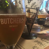 Снимок сделан в United Butchers grill bar пользователем Irina🍒 M. 7/28/2017