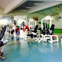 Photo taken at 333 Fitness by ณรงค์ ช. on 7/4/2013