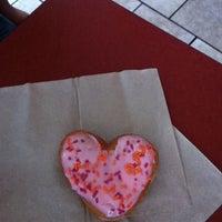 Photo taken at Dunkin' Donuts by Jordan W. on 6/7/2013