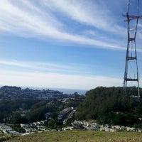Foto tomada en Twin Peaks Summit por Napua H. el 11/3/2012