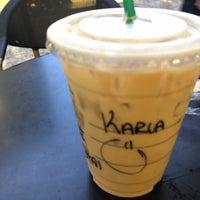 Снимок сделан в Starbucks пользователем Karla M. 8/1/2018