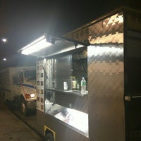 Photo taken at Bogart Taco Truck by Raul C. on 6/24/2016