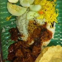 Photo taken at Original Penang Kayu Nasi Kandar by Cynthia C. on 7/13/2013
