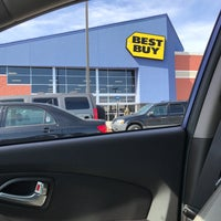 Photo taken at Best Buy by AElias A. on 5/4/2017