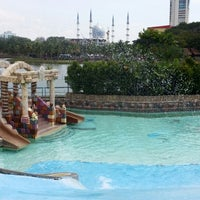 Photo taken at Wet World Shah Alam by Zhafirah A. on 2/22/2014