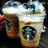 Снимок сделан в Starbucks пользователем Франческа Ш. 7/6/2013