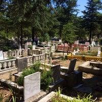 Photo taken at Karaağaç Mezarlığı by Hüseyin Burak B. on 9/8/2017