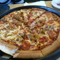 Photo taken at Pizza Hut by Angel D. M. on 8/2/2013