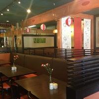 Photo prise au Yuri Japanese Restaurant par Griffe le4/3/2013