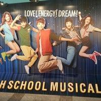Photo taken at HIGHSCHOOL MUSICAL @삼성카드홀 by JY P. on 7/31/2013