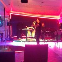Photo taken at Beyaz Restaurant Bar by Serkan Y. on 9/13/2014