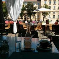 Das Foto wurde bei Café.Restaurant Halle von Raphael S. am 6/13/2013 aufgenommen