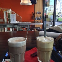 Photo taken at Natural caffè Bourse by Müge S. on 9/29/2015