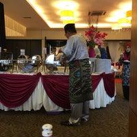 Photo taken at Sangkar Kristal by Masliza A. on 12/3/2016