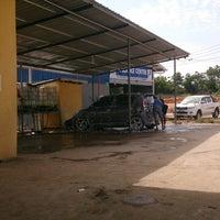 Photo taken at car wash serai emas by Hankey B. on 7/22/2013
