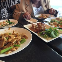 Photo taken at Newtown Thai by Naomi J. on 5/10/2017