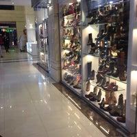 Photo taken at Nika Shopping Center | مجتمع تجاری نیکا by Fereşte on 2/10/2016