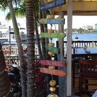 5/9/2013 tarihinde Tilo G.ziyaretçi tarafından Coconuts Bahama Grill'de çekilen fotoğraf