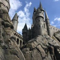 Photo taken at The Wizarding World of Harry Potter by Reginald G. on 3/30/2016