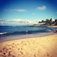 Foto tomada en Poipu Beach por Reginald G. el 1/1/2013