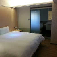 Photo taken at 新站旅店 NewStay Inn by Gueh Lee B. on 7/20/2013