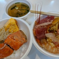 Photo taken at 市場食堂 by Stone Y. on 7/11/2018
