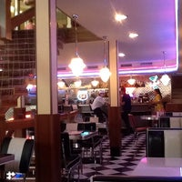 Photo taken at Beverly Hills Diner by Ангел С. on 10/14/2013