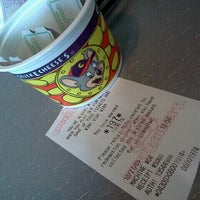 Photo taken at Chuck E. Cheese's by Ithzia P. on 10/26/2012