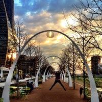 Foto tirada no(a) Klyde Warren Park por Katherine S. em 1/4/2013