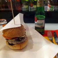 Foto scattata a Street Burger da Olavo il 10/24/2014