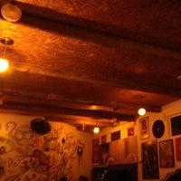 Foto tirada no(a) Das Antiga Pub por Junior B. em 6/13/2013