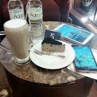 Photo taken at The Coffee Bean & Tea Leaf by Nia R. on 3/30/2014