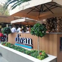 9/19/2013 tarihinde Elif U.ziyaretçi tarafından Divan Pub'de çekilen fotoğraf