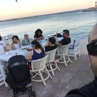 6/24/2015 tarihinde Ayaz Beach &Kara kulüp__e barbeküziyaretçi tarafından Yengeç Restaurant & Otel'de çekilen fotoğraf