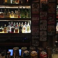 8/7/2017にLuis B.がTurntable LP Bar & Karaokeで撮った写真