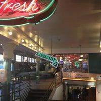 Foto tirada no(a) Market Ghost Tours por Kristin P. em 9/11/2013