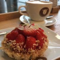 Das Foto wurde bei Brügmanns Kaffeehaus von Lidia G. am 11/7/2015 aufgenommen