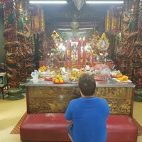 Photo taken at ศาลเจ้าแม่ทับทิม (อาม่า) by Buds B. on 8/17/2016