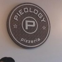 Photo taken at Pieology Pizzeria by Lori A. on 7/3/2013