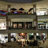 Foto tomada en La Gran Plaza Fashion Mall por Carlos R. el 2/2/2013