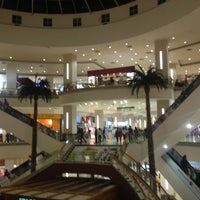 Foto tomada en La Gran Plaza Fashion Mall por Carlos R. el 3/17/2013
