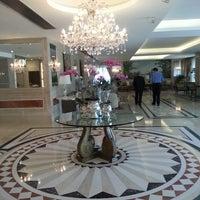 Foto tirada no(a) Windsor Atlântica Hotel por NAIRA A. em 4/24/2013