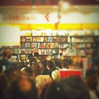 Photo taken at La Feltrinelli Libri e Musica by Mara M. on 10/24/2012