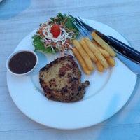 Photo taken at Big Garden Restaurant by Ploy N. on 5/27/2015