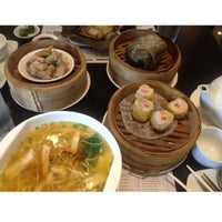 Photo taken at Yang Chow Dimsum & Teahouse by Shyn P. on 5/17/2015